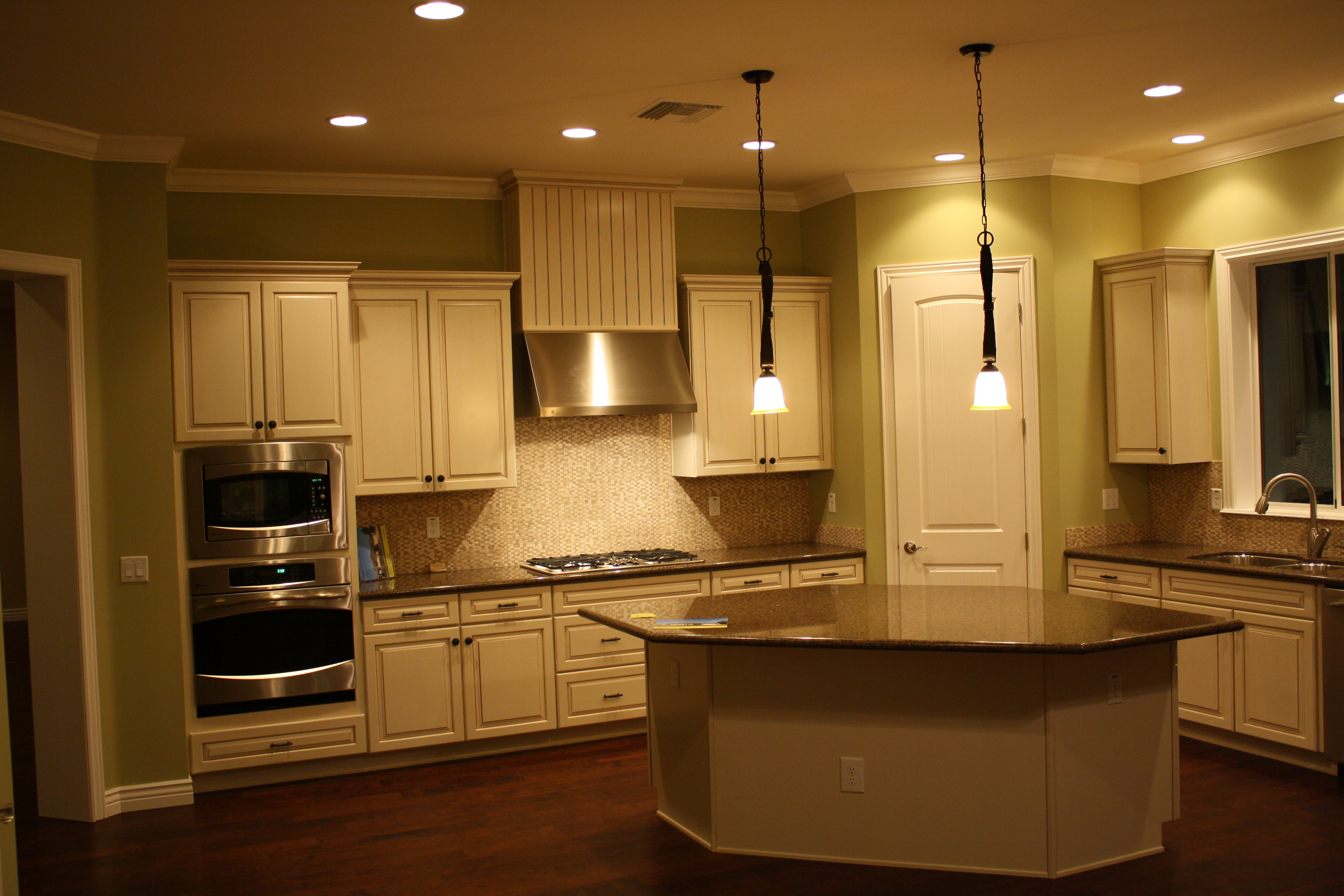 Calle Tuberia | Coventry Kitchens & Closets - Custom Kitchen and ...